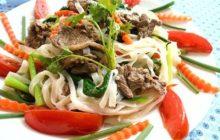 Cách làm phở xào thịt bò thơm ngon cho bữa sáng thêm bổ dưỡng