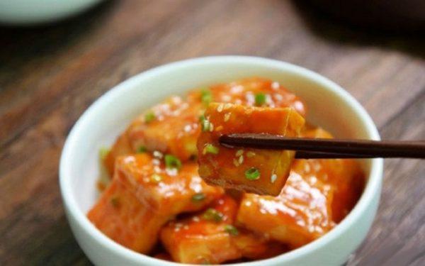 Cách làm món đậu phụ sốt chua ngọt