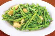 Cách xào măng tây với tỏi đơn giản mà cực hấp dẫn