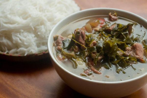 Cách làm món thịt trâu nấu lá lồm