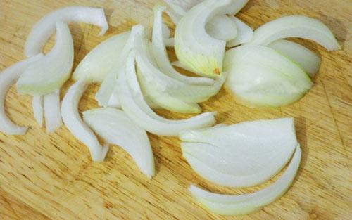 Cách làm thịt trâu xào rau cần